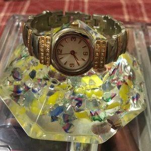Jewelry - 🌻Simple Watch with rhinestones